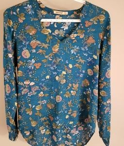 Tops - Beautiful Floral Blouse